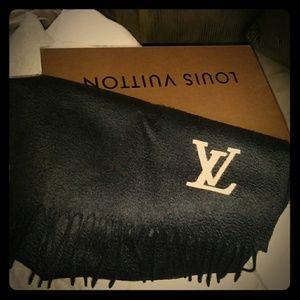 Louis Vuitton Jhelam Scarf